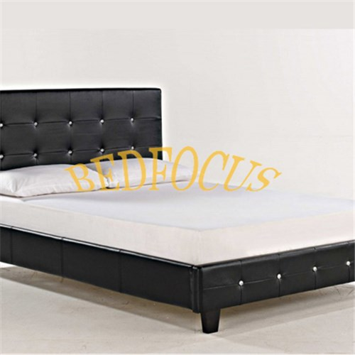 Italian Style Leather Bed Bed-P-103